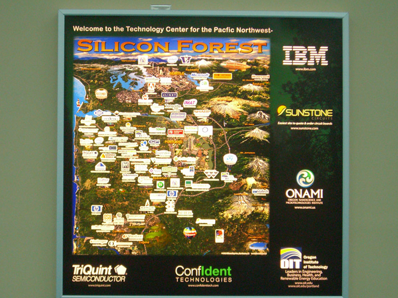 Portland Airport sign - Silicon class=